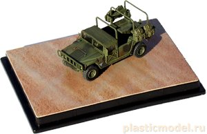 Dragon 60078 1:72, HMMWV M998 (82nd Engineer Battalion 1st Inantry Division Germany 2003)